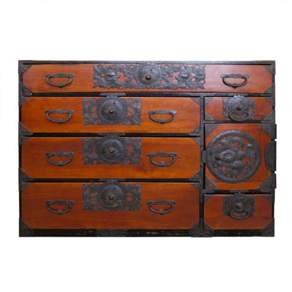 c48ee9abf1299e2d6236be1888cc44c3--japanese-furniture-asian-furniture